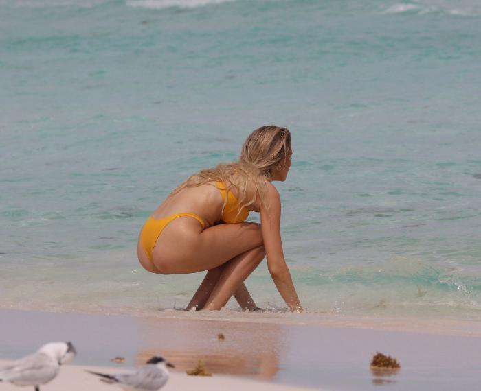 Elise Dalby Hot & Sexy (16 Bikini Photos)